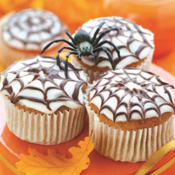 halloween spiderweb cupcakes