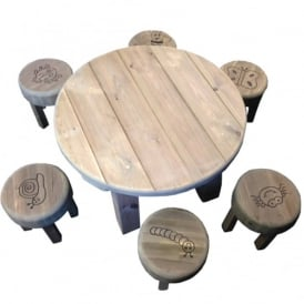 Outdoor Bug Table And 6 Stools